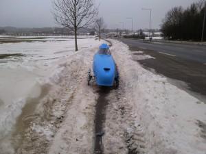 Stadig-sne-og-is-på-cykelsti