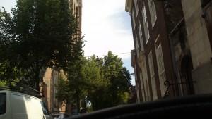 Skæv kirke set fra Strada
