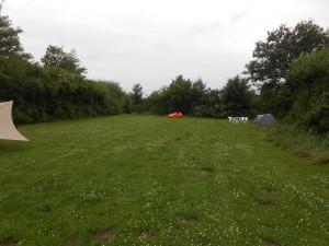 Strada alene på camping
